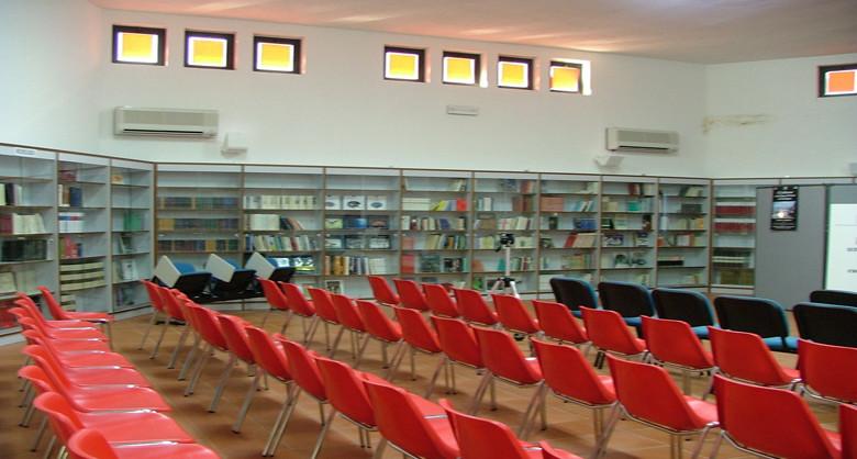 Biblioteca-sala-convegni-780x418