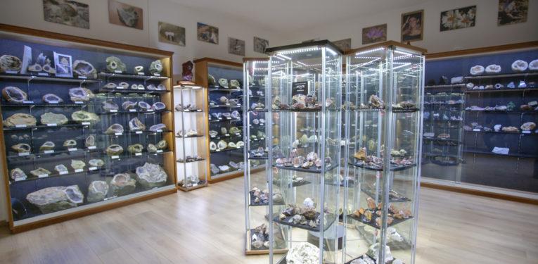 Museo naturalistico mineralogico Monica Carta